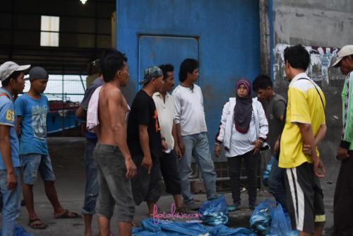 Jual ikan.Tanjung Balai, Indonesia.