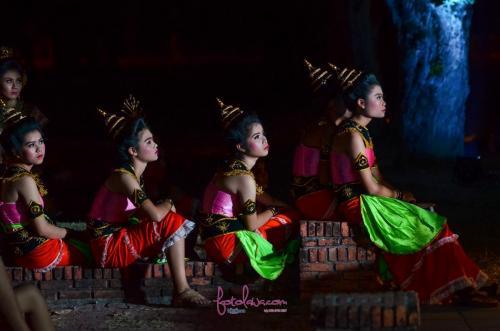 Traditional girls from Sukhothai.Sukhothai, Thailand.
